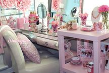BEAUTY STORAGE / VANITY