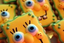 character cookies / by Lynne V