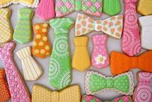 bows/mustaches/glasses cookies / by Lynne V