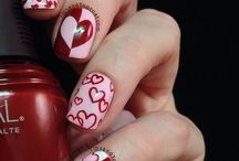 Valentine Nail Art That Will Make You Swoon / Valentine Nail Art - tutorials and inspriation.  #nail #nails #nailart #valentine #valentinesday