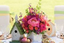 Floral Arrangements / Bring color to your home with these elegant floral arrangement ideas.