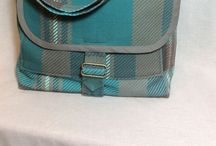 Bags and Purses / Purses and bags in quilted cotton, printed canvas and upholstery material. Purses, messenger bags, shopping bags, gift bags, wine bags, totes in all sizes.