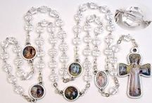 Clear and White Rosary Beads / These quality clear & white rosaries have been crafted by artisans and imported from Italy. Catholic Gifts