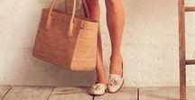 Acessórios / Bijus estilosas, bolsas icônicas, sapatos maravilhosos, óculos de sol para arrasar o ano todo e muito mais.