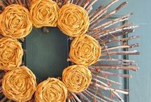 Crafts - WREATHS / Tons of DIY Wreath Tutorials for every occasion!