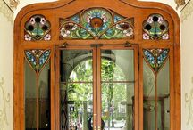 Graceful Entrances & Doors / by Kate Marie Keever