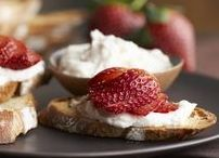 Berry Appetizers & Snacks / Start off on a berry good note! Berry snacks & appetizers to munch on.