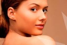 Yucee / Yucee Spray Tanning   Voor een mooi gebruinde en gezonde huid   Yucee Spray Tanning is een eenvoudig aan te brengen tanning. Je kunt het sprayen of met behulp van de speciale Yucee handschoen egaal aanbrengen. http://www.cosmeticlabs.nl/huidverzorging/yucee/