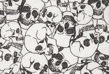 <3 Skulls  / by Anna 💋 Canales