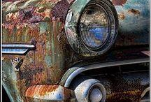 AUTOMOVILES CON HISTORIA, BELLEZA, FUNCIONALIDAD, FINESA Y GLAMOUR / Los autos nos acompañan en nuestra vida, que mejor que buscar los mas vistosos, funcionales y glamorosos, actuales y antiguos. / by Rafaeltucuman