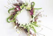 Couronnes de fleurs / by Danièle