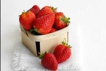 En Cuisine ... Les fraises / by Danièle