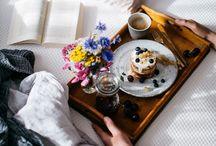 BREAKFAST IN BED / Who doesn't want breakfast in bed inspiration?