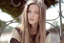013. LONG HAIR
