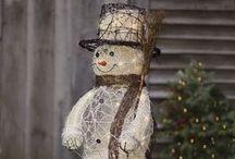 Geschenkideen Weihnachten / Zu Weihnachten gehören neben einem Adventskalender, Christbaum, Plätzchen natürlich auch idie Geschenke. Doch es ist nicht immer einfach ein passendes Geschenk zu finden. Eine gute Geschenkidee ist Schmuck. Sei es eine schöne Kette, ein edles Armband oder ein Ring, Schmuck kommt immer gut an, insbesondere Diamantschmuck.