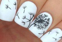 Cool toe/nail polish!