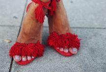 "S H O E-A-H O L I C / ""I have a thing with shoes"""
