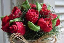 Flores de tecido e feltro
