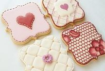 Cookie Plaques / A collection of beautifully decorated cookie plaques and cutters! Cookie cutters available at www.cookiecutterkdom.com.