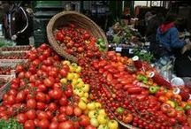 We love markets / We love farmers' markets, food markets, artisan markets, Christmas markets, French markets..... all types of markets. Every week we attend farmers' markets across London and the south bringing fresh, ripe and tasty tomatoes to you