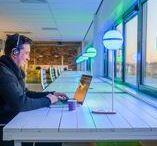 DYDELL | Kantoor / Goede kantoorverlichting zorgt voor minder ziekteverzuim, hogere productiviteit en beter gehumeurde werknemers. Een prettige sfeer begint met het juiste licht.