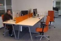Biuro baldai Office Furniture / Gaminame vadovų, darbuotojų stalus, spintas dokumentams, lentynas, kompiuterių, rašomuosius, posėdžių ovalius, apvalius stalus, bibliotekas, viešųjų įstaigų baldus. Biuro baldų gamybai naudojame laminuotą medžio drožlių plokštę, kurią patys importuojame. Prekiaujame baldų furnitūra, turime didelį biuro baldų priedų pasirinkimą. Teikiame baldų dizainerių paslaugas, mūsų gaminamiems nestandartiniams biuro baldams. www.diforma.eu