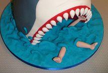 cool cakes / by Savannah Godina