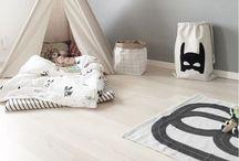Kids - Bedroom / Bkack and white minimal Scandinavian wood detail