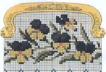 cross stitch pochettes