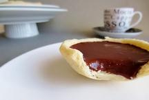 Gluten Free Desserts / Recipes for gluten free desserts.  Muffins, cupcakes, cakes, doughnuts, fruit stuff