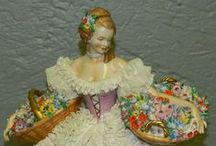 Porcelaine figurines / Beautiful figurines