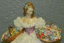 Porcelaine figurines / Beautiful figurines