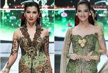 Kebaya and Batik / Indonesia's finest fashion.