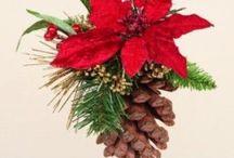 Creatief met dennenappels voor kerst / Alles voor een mooie kerst met dennenappels. Van mooie kransen, guirlandes, versiering en nog veel meer ideeën.