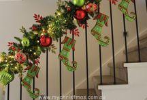 Trapversiering kerst / Om je hal of entree in kerstsfeer te brengen, kan je ook mooi je trap versieren