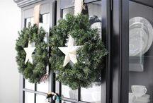 Deurkransen kerst/ kerstkransen / Kijk hier voor tips en ideetjes om een mooie krans aan je deur te hangen met kerst.