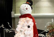 Sneeuwman boom / In plaats van een groene kerstboom, maak een witte. En maak er dan zo'n gezellige sneeuwman van.