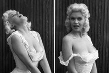 Jayne Mansfield / Jayne Mansfield was an American actress known for her bombshell moves and her roles in films during the 1950s and 60's.