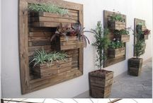 Vertical Gardening / Inspiration for an amazing vertical garden. Perfect for areas with limited space!