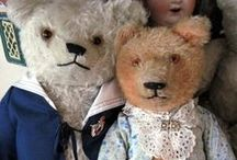 Dolls and bears / Old dolls