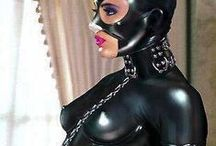 Rubber Latex Fetishism / The pleasant feeling that is restricted by rubber shining strangely, and is tightened. Pleasure to be drowned in a feeling of perversion that is covered by the second skin, and became the different creature.