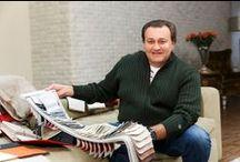 Валерий Курас / Валерий Курас - любимый многими российский шансонье, заглянул в наш мебельный салон ГК «Фундамент», выбирая новую мебель для своего дома. Пока с ним работали дизайнер и менеджер по подбору мебели, предлагая различные варианты и образцы, в перерывах мы успели взять у него небольшое интервью о творчестве, о музыке, о дизайне и о доме.  Подробнее: http://www.remont-f.ru/about/star.php