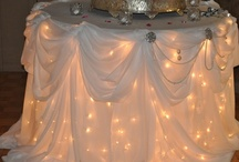 Tablescapes / Ideas for decorating tables for all occasions. / by Linda Raby