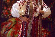 民族衣装 / ヨーロッパの民族衣装が多めです