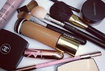 Beauty, Skincare, Makeup and Hair products / Best beauty products in every category from hair to skin-care, makeup and fragrance. Beauty & makeup product reviews.