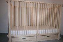 Lit adapté pour enfants handicapés ALABAMA / Le lit ALABAMA est une bonne alternative aux lits médicalisés. WOODLAND peut vous le fournir avec la hauteur des barreaux qui correspond à l'âge et aux besoins de sécurité de votre enfant et tout ça à un prix imbattable. Pour en savoir plus, veuillez suivre ce lien:  >>> https://www.meubles-pour-enfants.com/meubles-enfants/lits-enfants/lit-bebe-alabama.html