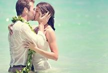 Beach Wedding Photo Inspiration / Wedding photos of couples on the beach or at a resort