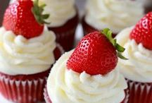 Recipes: Cakes & Cupcakes / by Carrie Jo