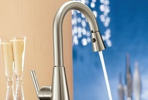 Pull-Out Kitchen Faucets / Complete your kitchen with the style and convenience of a pull-out spray kitchen faucet.