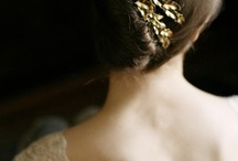 Bride: hair, ring, accessories
